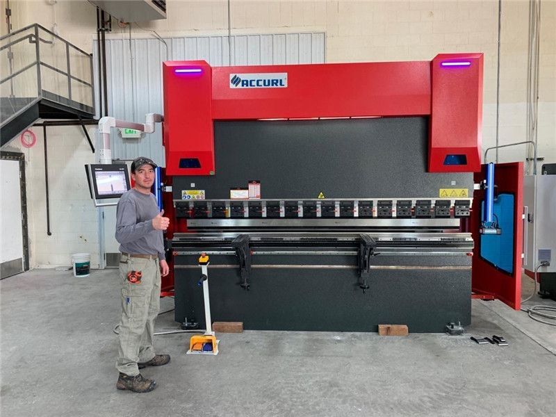 ACCURL CNCプレスブレーキDA58T 4axis 2500mm