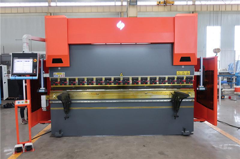 ACCURL CNCプレスブレーキDA66T 4axis 3000mm