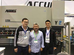 Accurlは、2016年にシカゴの工作機械および産業オートメーション展に参加しました
