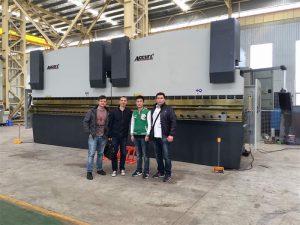 ベトナムのお客様は工場を訪れます