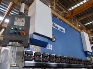 estun E210制御システムを備えた一般的な油圧式cncプレスブレーキWC67Y- 125Ton / 3200mmエンジニアサービス